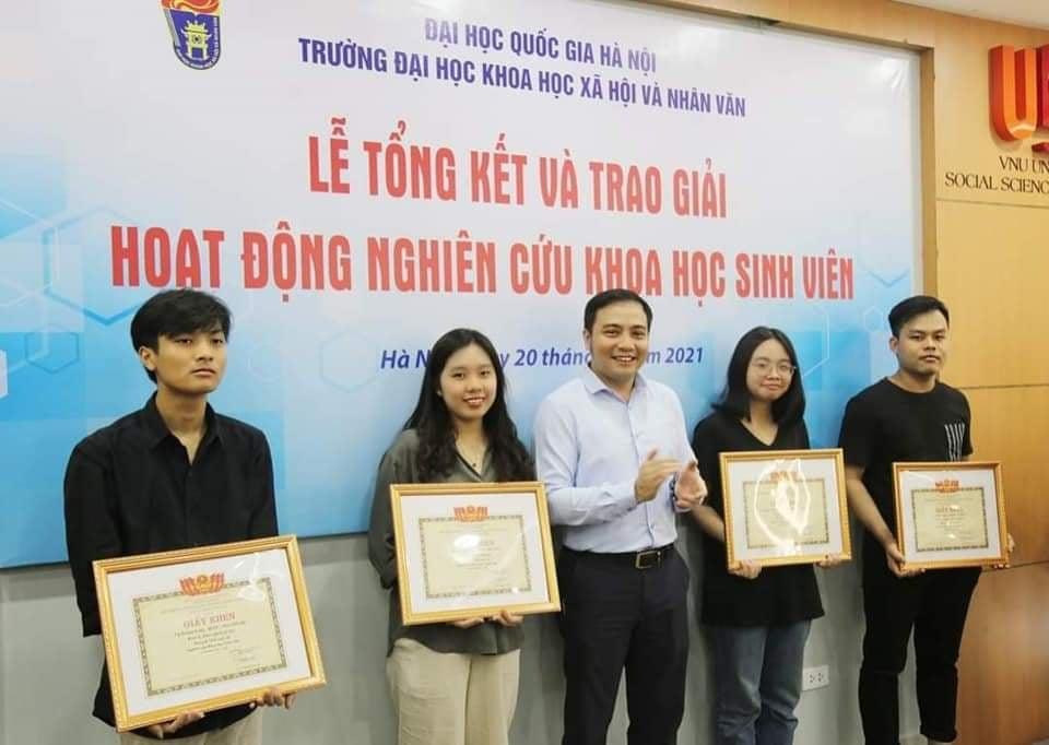 Khen thưởng 20 công trình nghiên cứu khoa học sinh viên cấp ĐHQGHN năm 2021